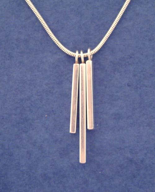 Necklaces 3 pendant chain 2g 35898 bytes aloadofball Images